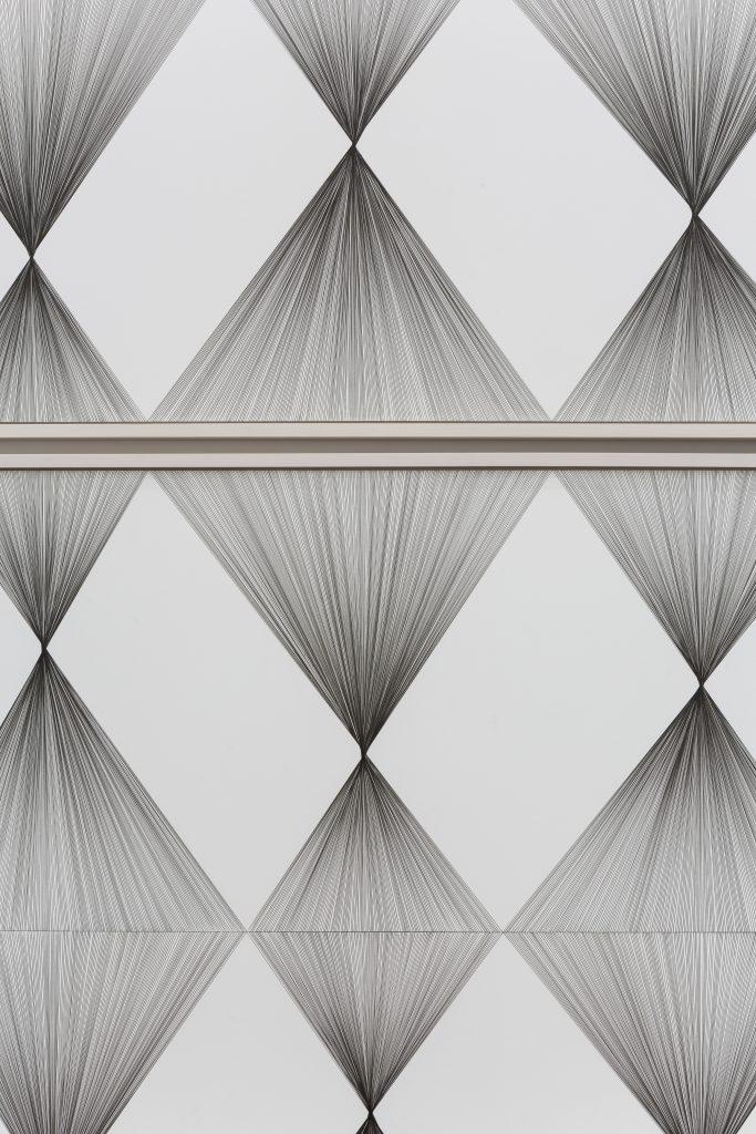 Detail zu: Ignacio Uriarte, Vertical Rhombus Iteration No. 1 - No. 3,Pigmentierte Tinte auf Papier, 2017