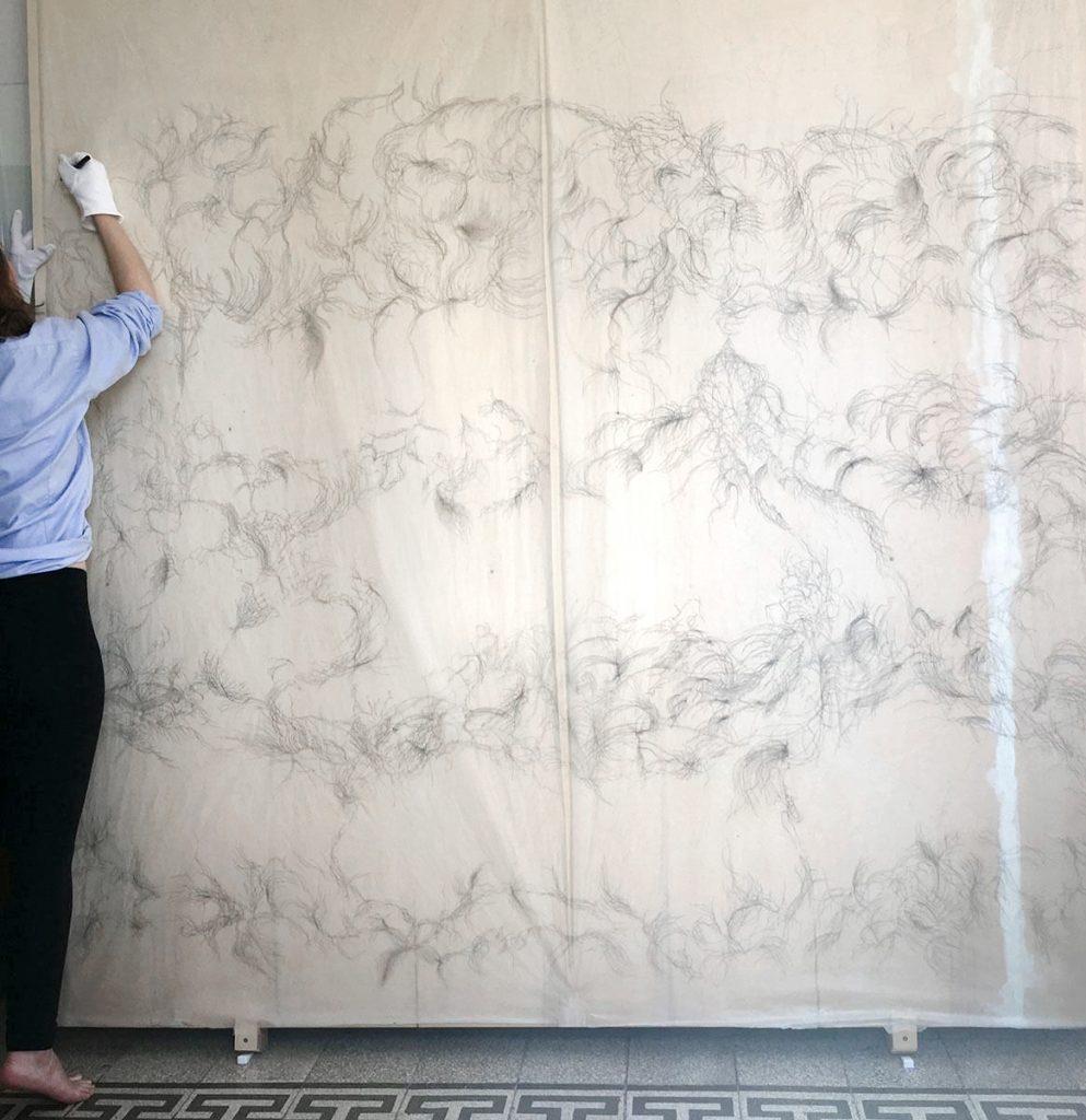 Paula Doepfner, YOU and ME (Atemzüge eines Sommertags), Tusche auf Gampi-Papier, 240 x 229 cm, 2016 – 2017. Entstehungsprozess (Rom, 2017)